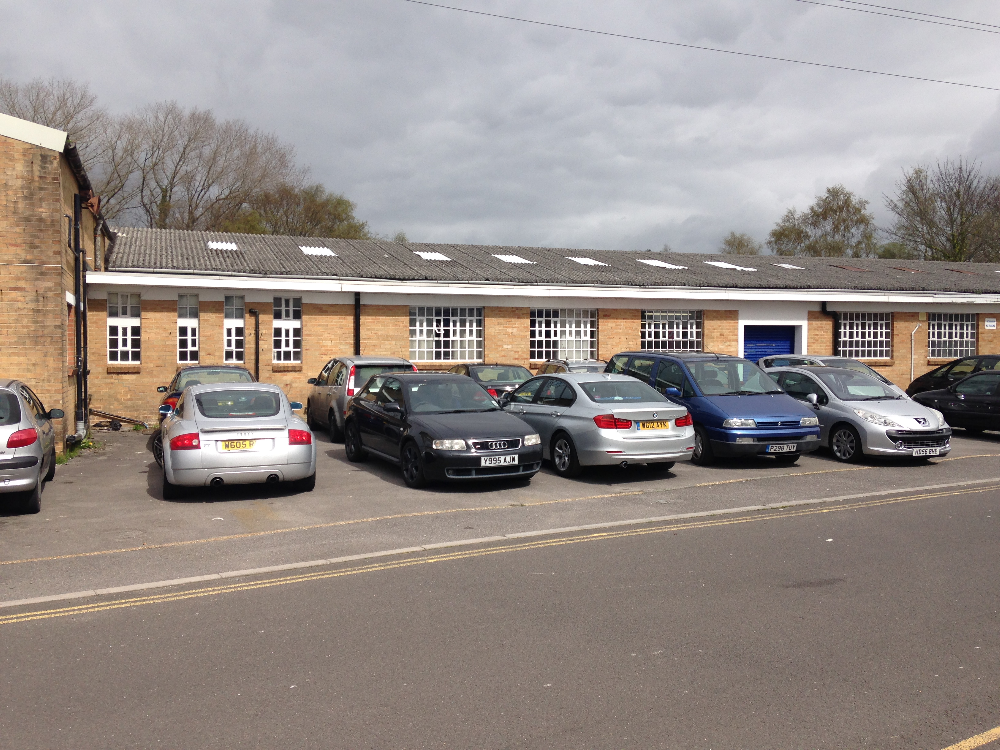 POOLE WAREHOUSE TRADE COUNTER – 8,093 SQ FT – NOW LET