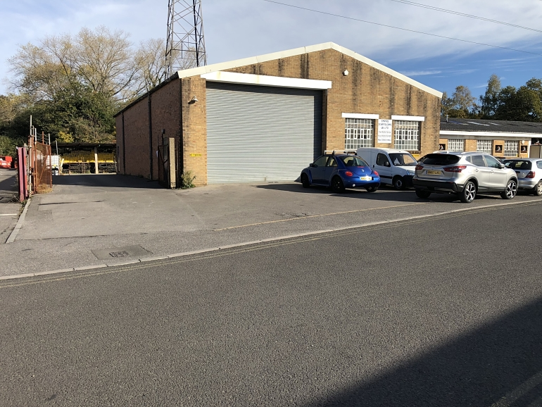 SUBSTANTIAL INDUSTRIAL PREMISES – NOW LET