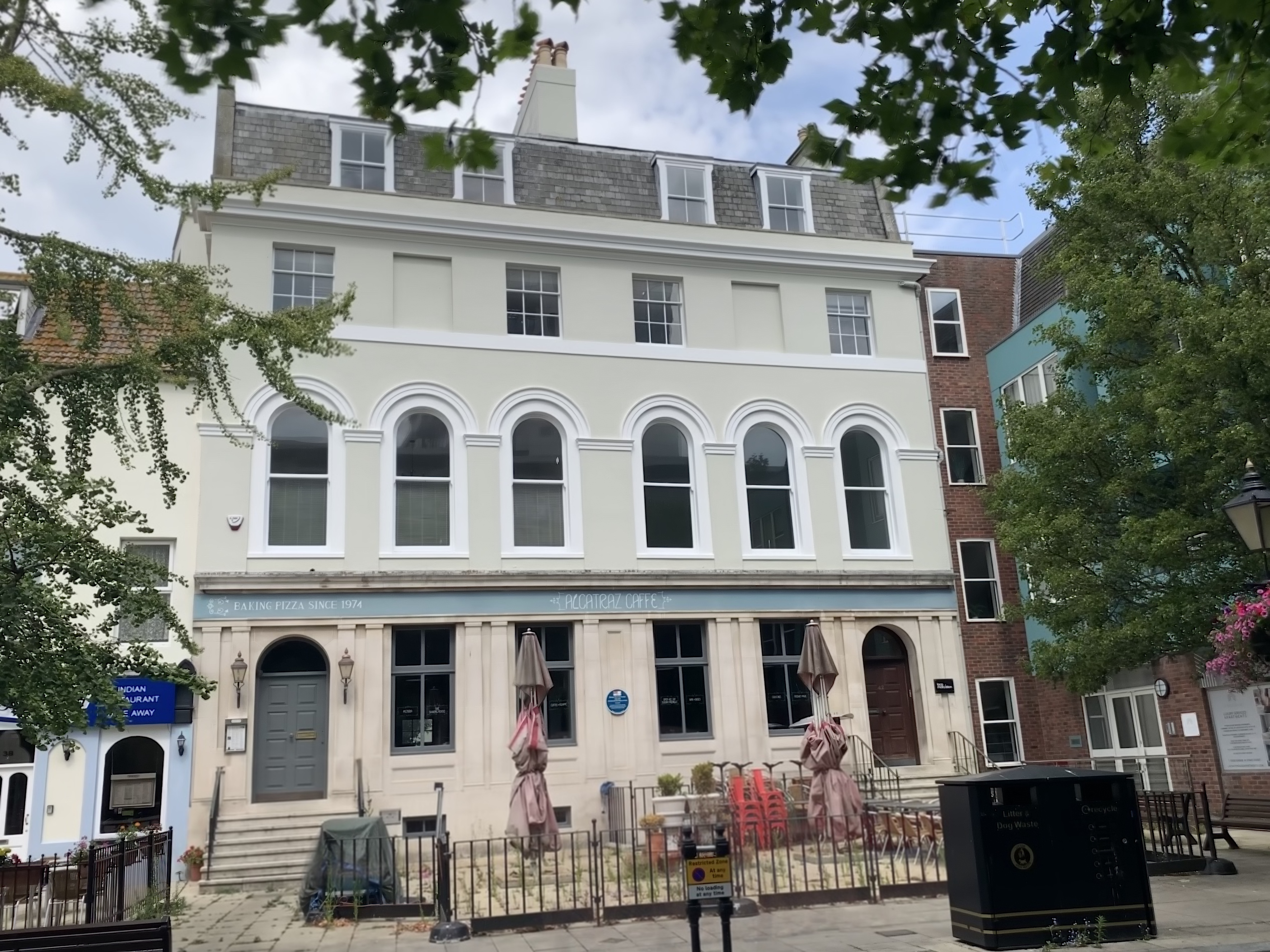 PERIOD OFFICES TO LET POOLE TOWN CENTRE