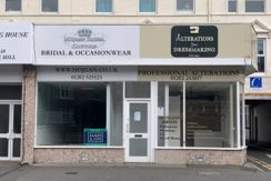 RETAIL UNIT WITH RETURN FRONTAGE IN MAIN ROAD POSITION